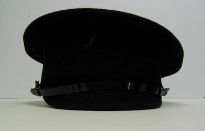 Men's peaked cap