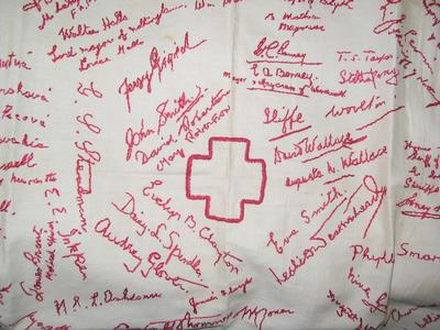 Tablecloth embroidered with signatures