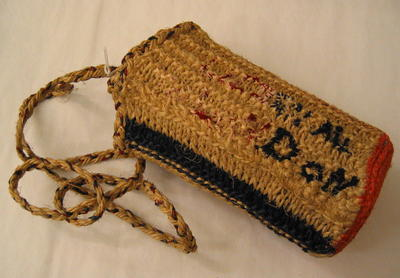Shoulder bag made from knitted string