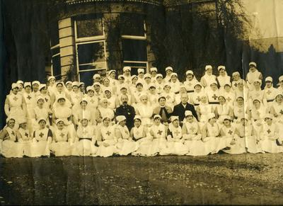 Nursing Staff and Doctors outside Ashcombe House Red Cross Hospital in Weston-Super-Mare, Somerset; RCB/2/9/5/133