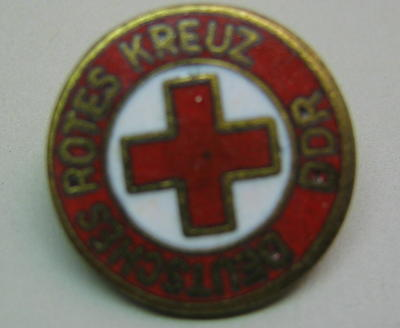 Badge: Deutsches Rotes Kreutz DDR