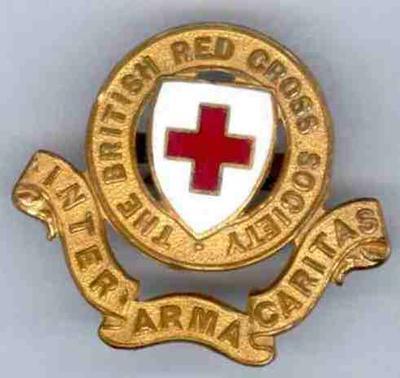 British Red Cross Society members' gilt hat badge