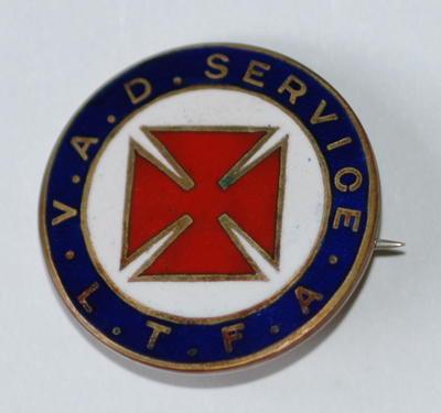 Badge: V.A.D. SERVICE L.T.F.A.