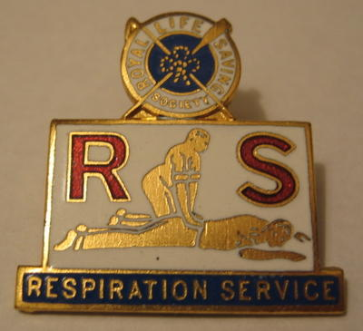 Badge issued by the Royal Life Saving Society: Respiration Service.