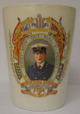 ceramic mug issued to celebrate the investiture of HRH Edward, Prince of Wales by HM King George V