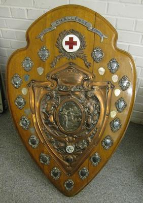 Large competition shield for women's detachments in Surrey, 1913: Surrey Challenge Trophy