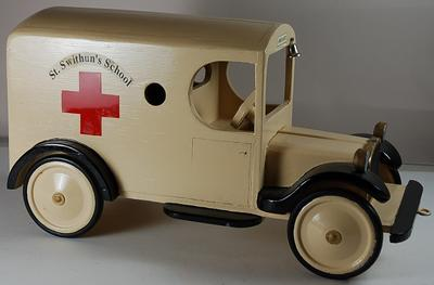 Ambulance collection box