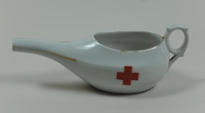 Small feeding cup with Geneva cross