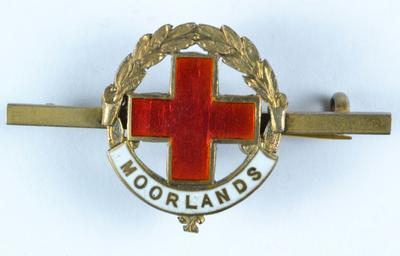 Tie pin brooch: 'Moorlands' Hospital badge; Medals and Badges/badge; 528/10