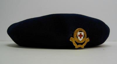 Ladies' navy beret