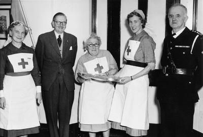 Wedding Presentation to Miss M Cheyne; RCB/2/9/5/79
