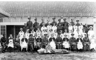 Photograph of [staff at] Chartham military hospital