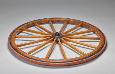 litter with wooden wheels