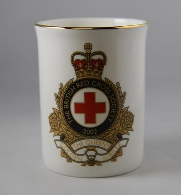 Commemorative mug produced for The Queen's Golden Jubilee in 2002; Edwardian Fine Bone China; Gifts and Souvenirs/mug; 2296/1