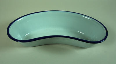 Enamel kidney dish by Kockums of Sweden