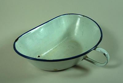 Enamel vomit bowl