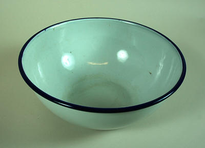 Enamel kidney bowl by Kockums of Sweden