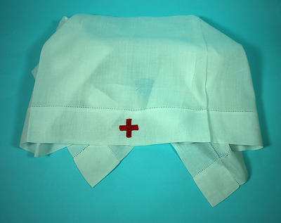 Member's indoor uniform white headveil