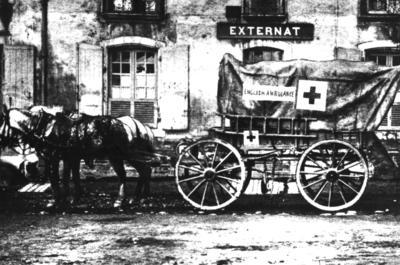 Photograph of a horse drawn ambulance from the Woolwich Ambulance Unit