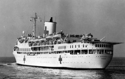 Hospital ship 'Uganda' leaving for the Falklands