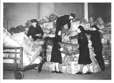 Collecting goods at London Bridge station for vicitms of the East Coast floods