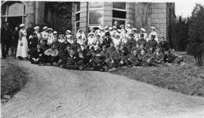 Group of nursing staff and patients at Ashcombe House Red Cross Hospital in Weston-Super-Mare, Somerset; RCB/2/9/5/110