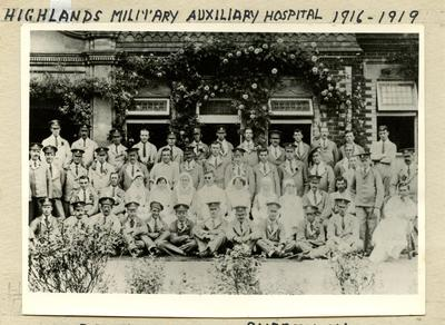 Patients and Staff from Surrey/74 [Farnham] outisde the Highlands Military Auxiliary Hospital in Shortheath, Farnham