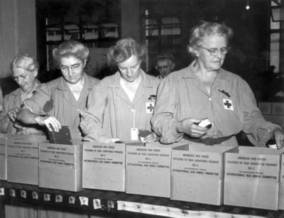 Women packaging American Red Cross prisoner of war Christmas package number 2