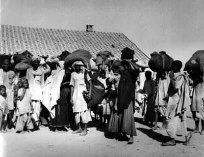 A group of refugees from East Punjab arriving at Walton Refugee Camp in Lahore, Pakistan. (Same as IN2117)