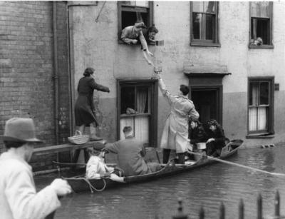 Flood relief to Gloucester; RCC/5/IN3502