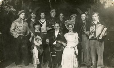 Prisoners of war, the cast of camp entertainment [Revue]