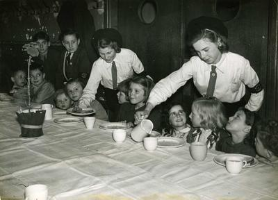 Children's party given by youth members of London Branch; IN2656