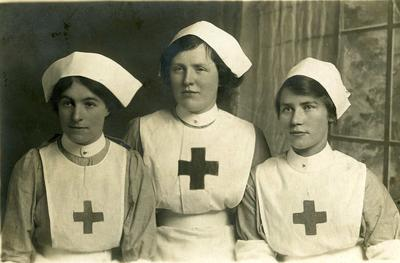 Three VAD Nurses, St Pauls, Newport