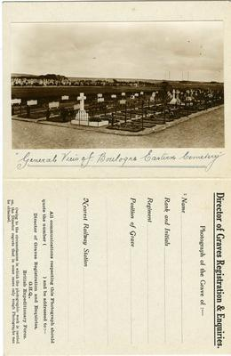 Photograph of a grave card issued by the Director of Graves Registration and Enquiries