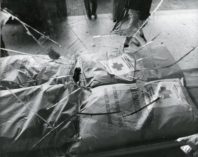 Black and white photograph of ICRC relief work in Angola 1975