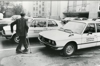 Black and white photograph for World Red Cross Day 1981 - Driving school run by the Berlin branch of the German Red Cross