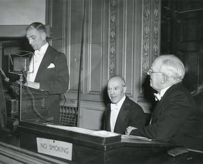 Black and white photograph of Conversazione at The Royal Society of Arts 1952