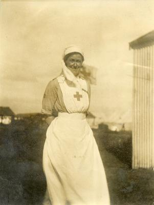 Black and white photograph of Edith Drummond-Hay at a Junior OTC Camp in Barry 1922