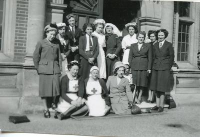 Black and white photograph of staff at Dell Park Red Cross Hospital, Englefield Green, Surrey