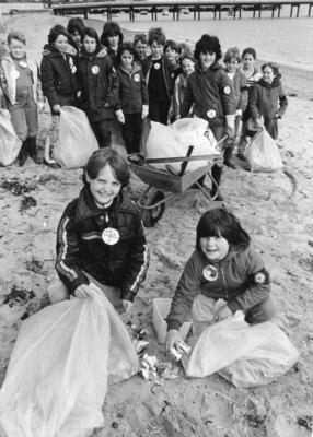 Harwich Juniors Beach Cleaning during Flag Week