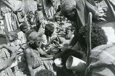 Black and white photograph of Red Cross relief work in Ethiopia 1980