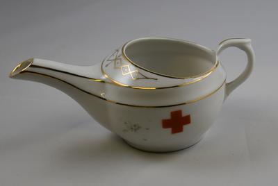 Porcelain ceramic feeding cup with Geneva Cross