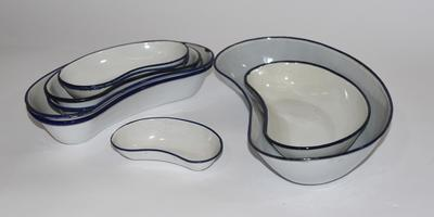 Collection of enamel kidney bowls
