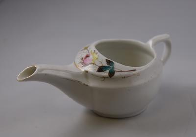Small decorative feeding cup