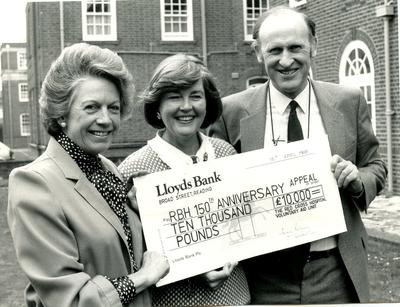 Photograph of a Cheque Presentation to the Royal Berkshire Hospital