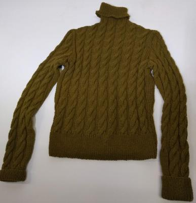 Polo-necked sweater