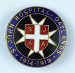 'St Johns Hospital, Oatlands 1914-1919 SJAA' badge.