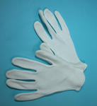 Member's uniform white gloves